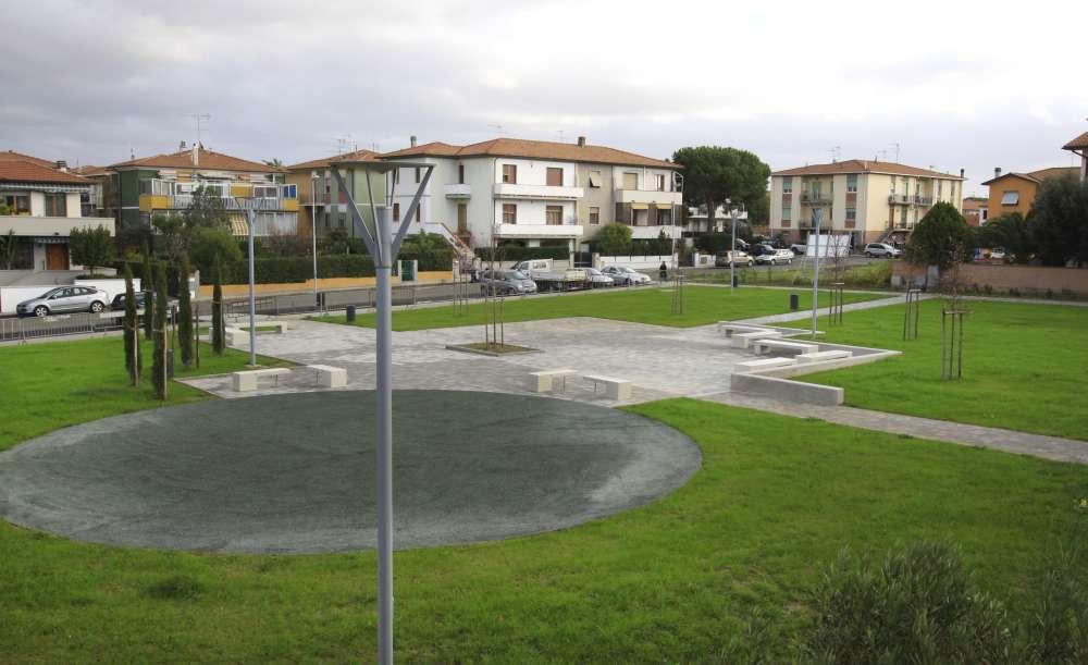 Piazza Massimiliano Oretti, Cecina (Li)